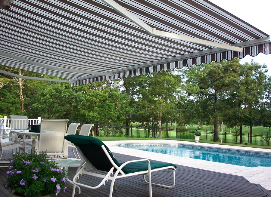 retractable-shade-awning